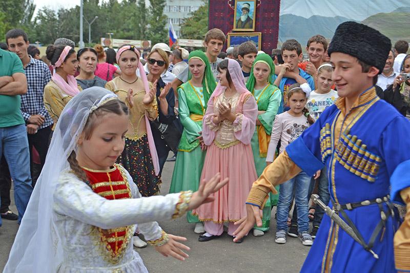 Дагестан - самая многонациональная республика, которая объединила разных по укладу жизни, разных по благосостоянию
